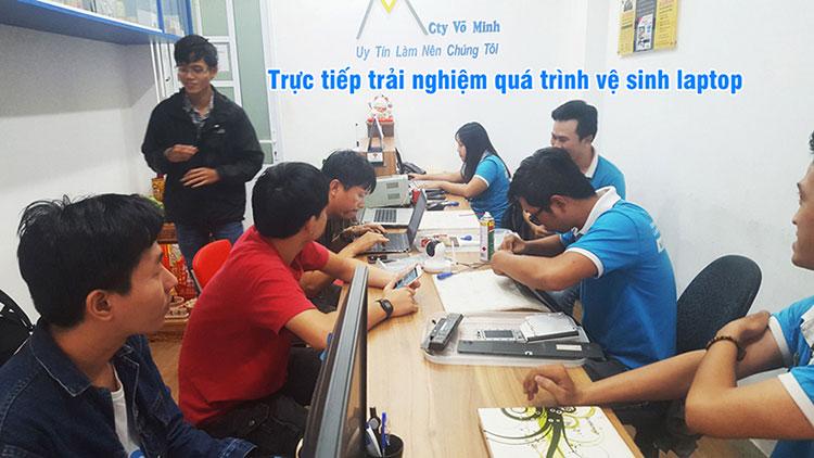 ve_sinh_laptop